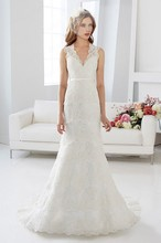 Free Shipping Western Country Bridal Gown Trumpet V-Neck Tiered Sweep Train Lace Wedding Dress With Keyhole Back WX11634