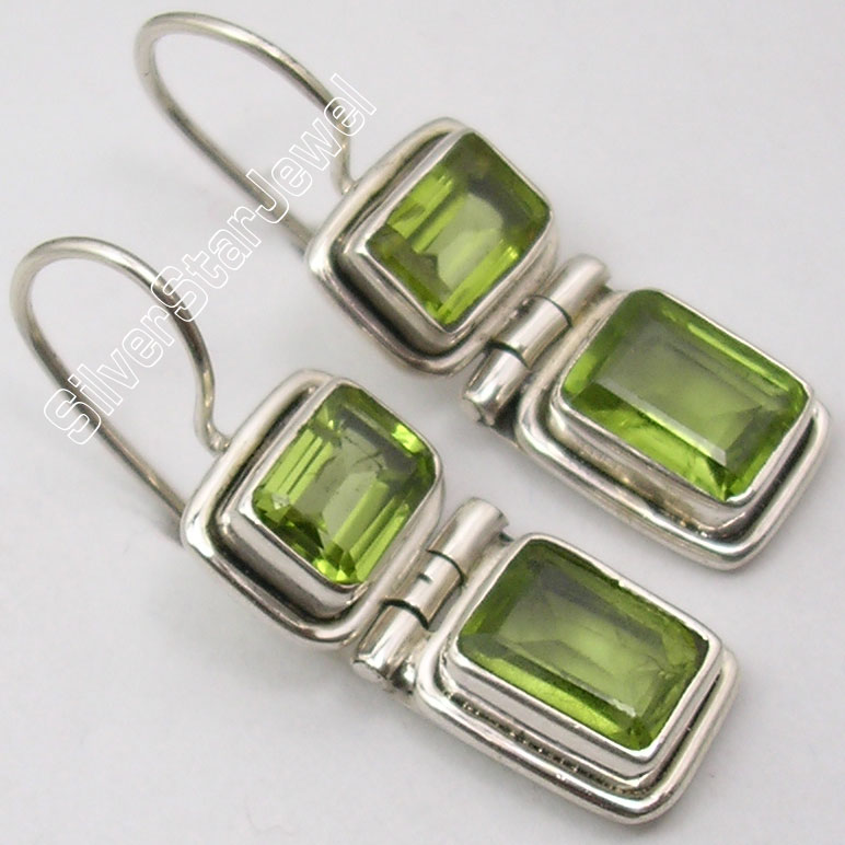 Chanti International Silver NATURAL GREEN PERIDOT Gem TRADITIONAL Earrings 1 1 8 inches