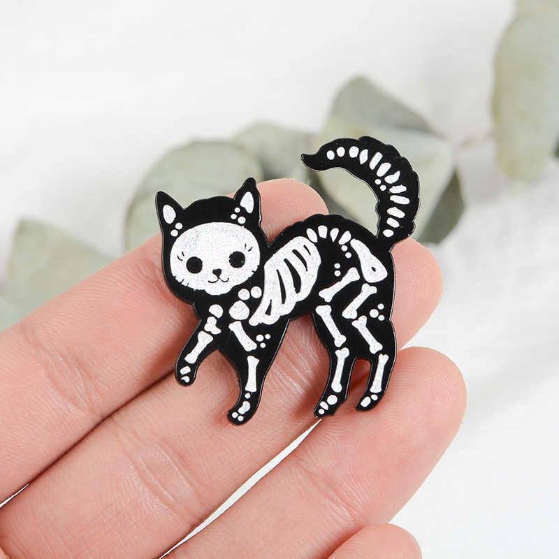 Black Cat Skeleton Gothic Pins Horror Brooches Bag Hats Leather jeckets Accessories Men Women Jewelry