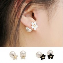 hot sales fashion Chic temperament white flower imitation pearl crystal earrings wholesale free shipping