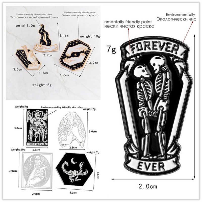 Романтическая брошь череп имитация дьявола Татуированная рука Волшебная книга булавка значок брошь в стиле «панк» Готический подарок на Хэллоуин