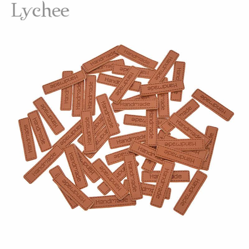 열매 50pcs 수 제 편지 패턴 pu 가죽 태그 사각형 양각 된 레이블 diy 플래그 레이블 의류 봉 제 액세서리에 대 한