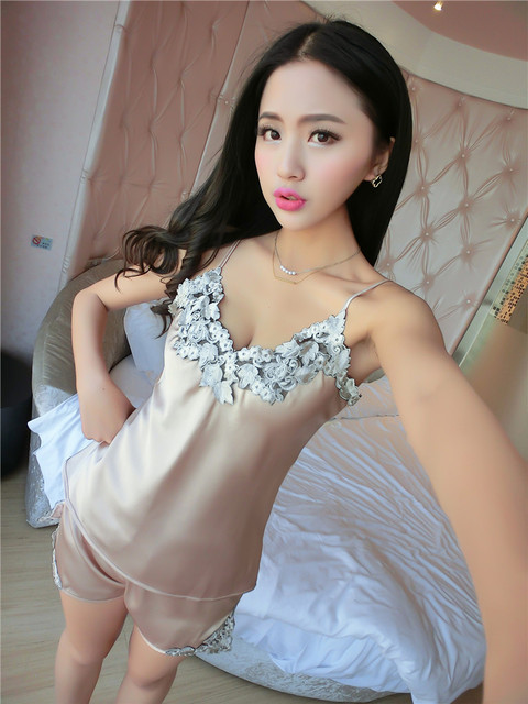 Ladies Sexy Silk Satin Pajama Set Lace Pyjama Set Sleeveless Pijama Set V-neck Sleepwear Summer Home Wear Sleep Wear For Women 4