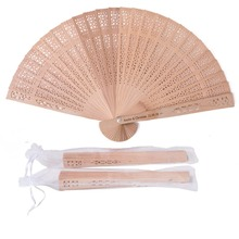 50pc Personalized Wooden Wedding Favors and Gifts For Guest Sandalwood Hand Fan Party Decoration Folding Fans