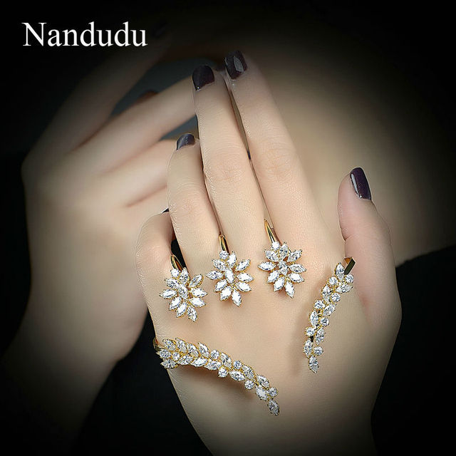 Nandudu Female Palm Bracelet  Gold Plated Hand Cuff Cubic Zirconia Women Bangle Fashion Jewelry Gift R1178