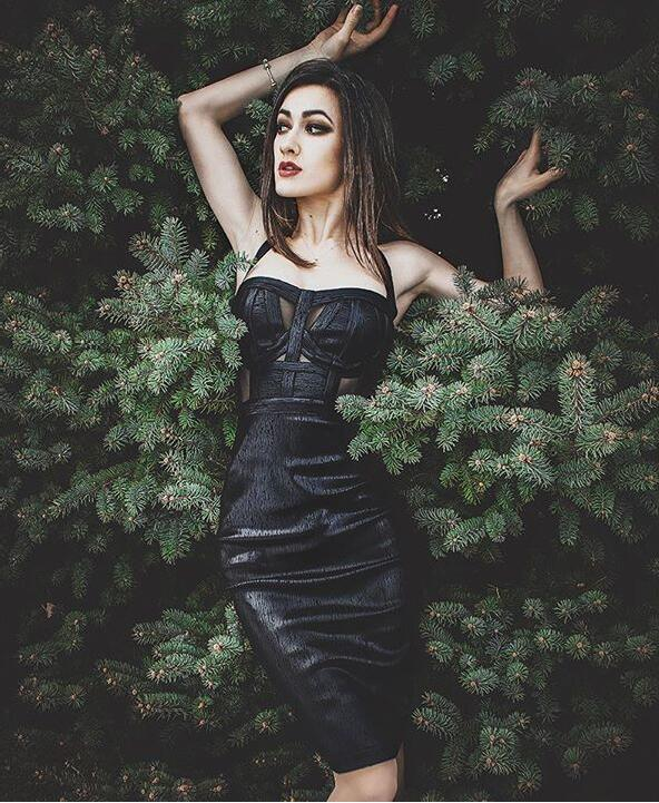 Free Shipping Summer Sexy Halter Backless Black Bronzing Women Bodycon Bandage Dress 2020 Designer Fashion Party Dress Vestido 3