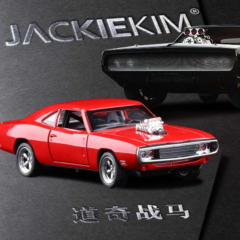 1/32 Dodge Charger Alloy Car Metal Model With Pull Back Musical Four Door Open Kid's Toy Car Gifts Free Shipping