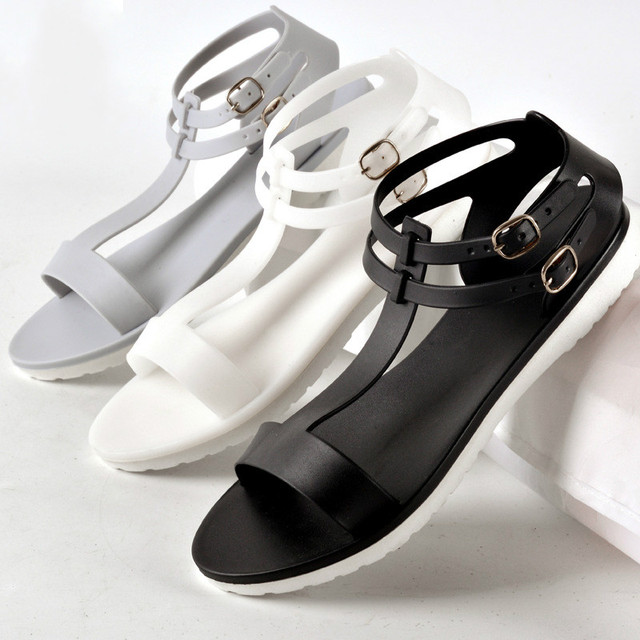 86ae9955cfe6 2016 Summer new women s simple Roma jelly plastic sandals Beach shoes four  colors freeship
