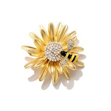 Imixlot Limited Top Fashion Trendy Plant Broche Pins Fashion Zoete Daisy Bee Broche Chrysant Pin Broach Jas Accessoires(China)