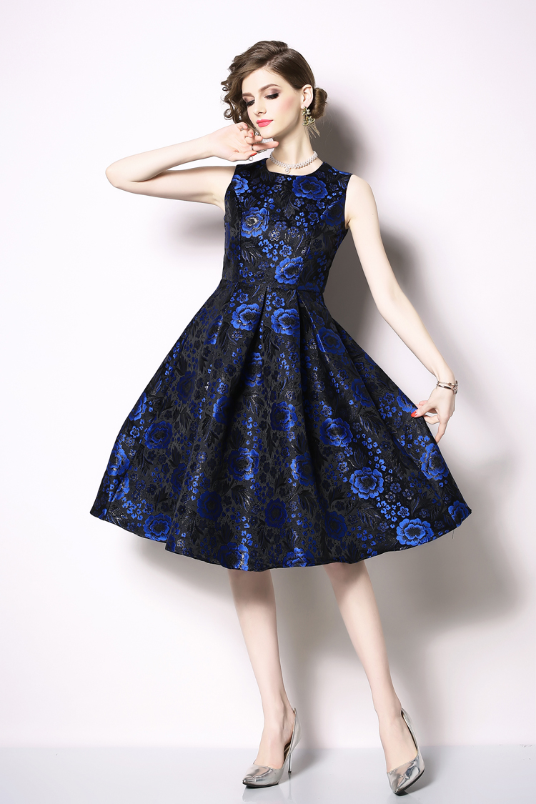 Elegant Sleeveless Printed Vintage Swing Dress 6
