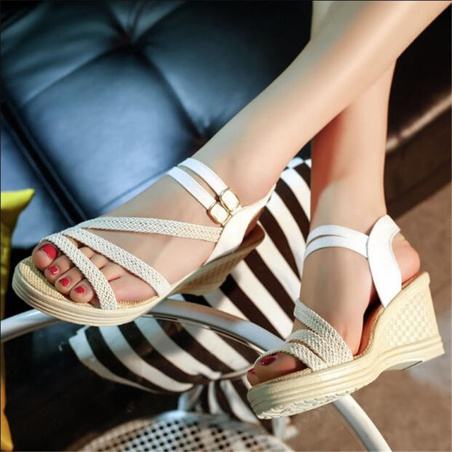 2017 New  women's fashion leasure sandals summer shoes style sandals for lady Black wedges heels sandals thick heel .QCLR-6001
