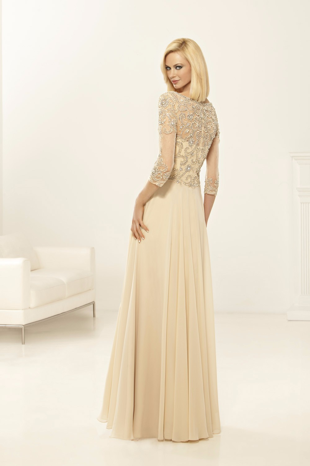 High-Quality-Hand-Beading-Bodice-Bridal-Mother-Gowns-Champagne-Mother-of-the-Bride-Dresses-Plus-Size (1)