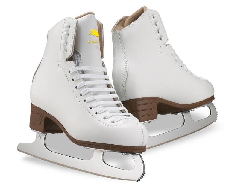 белый лед коньки