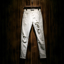 Разорвал Джинсы Белые джинсы мужчины Байкер Проблемных Джинсы Мужские узкие джинсы homme Известный бренд мужчины дизайнерские джинсы Бегунов MB461