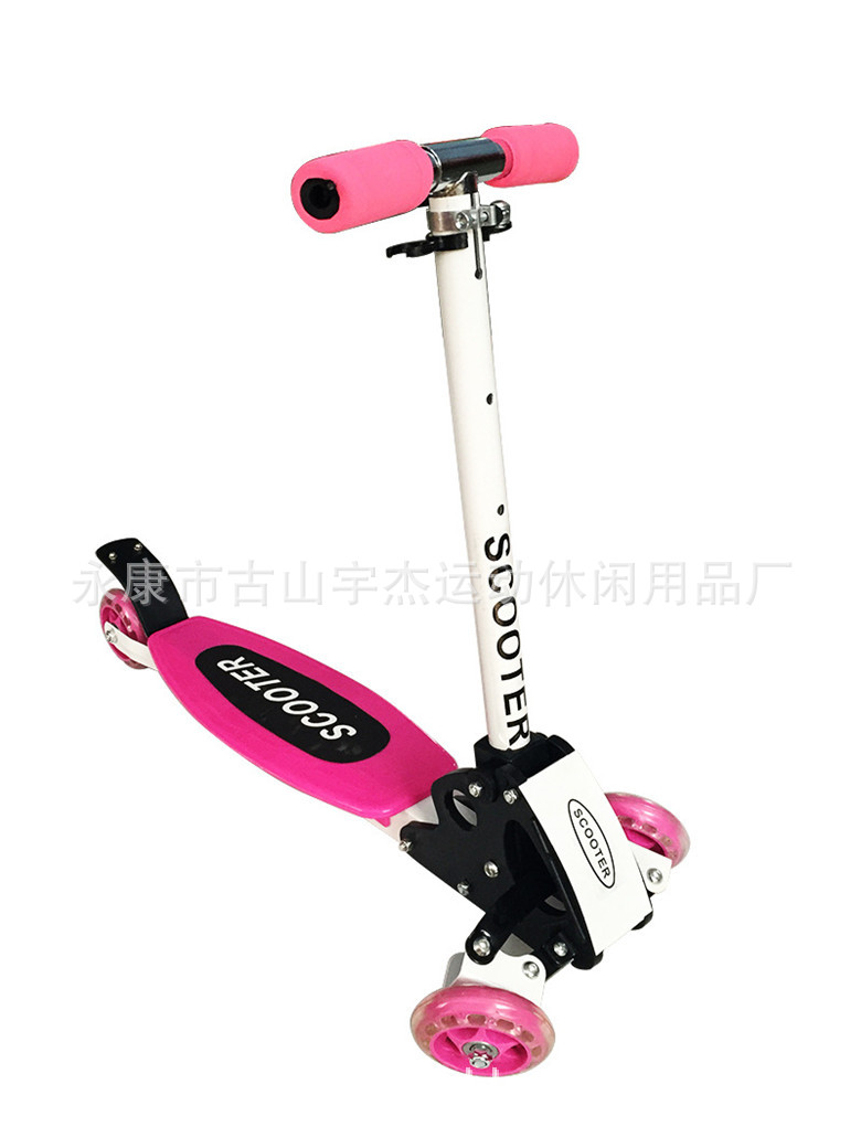 The new hot plastic City Games climb the four round without flash crawler scooter child scooter