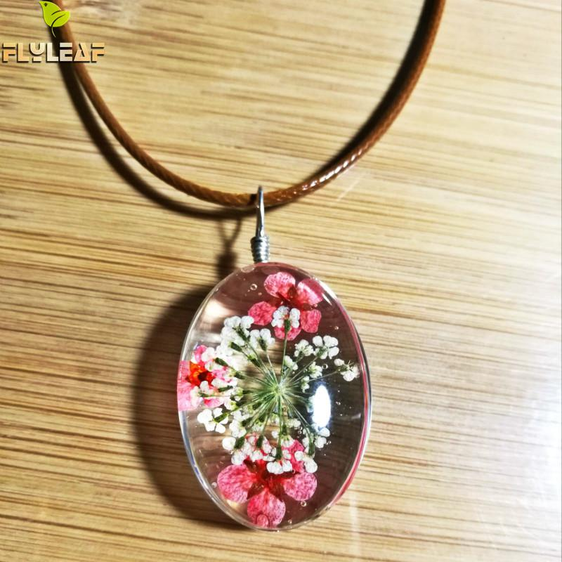 Flyleaf 2017 Handmade Epoxy Natural Dried Eternal Flower Specimens Necklaces & Pendants For Women Casual Girl Jewelry Multan