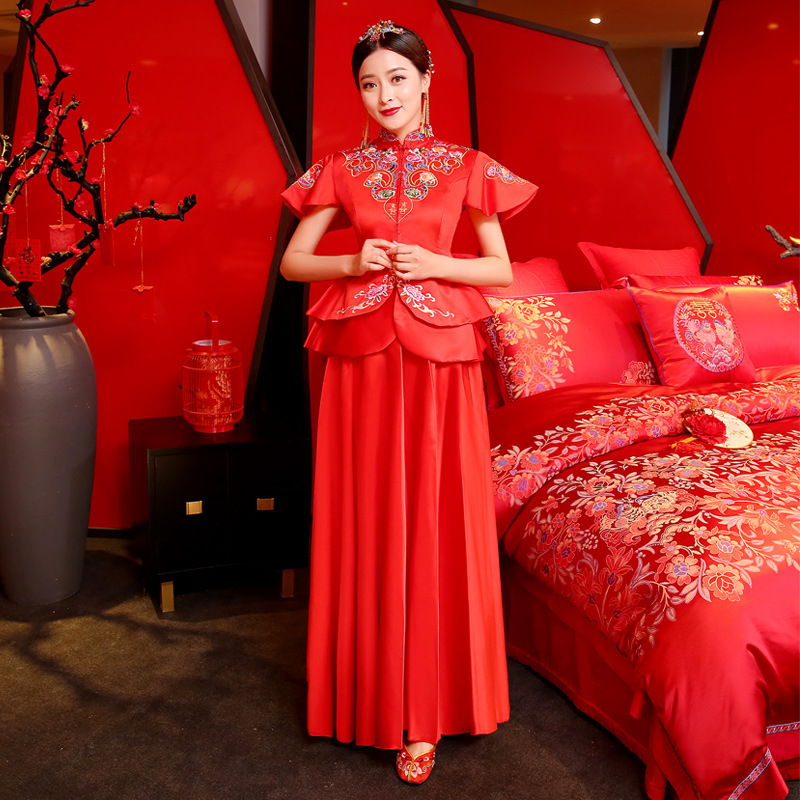 Asian Lady Short Sleeve Long Cheongsam Vestidos Chinese Classic Embroidery Flower Marriage Set Ancient Bride Wedding Party Dress