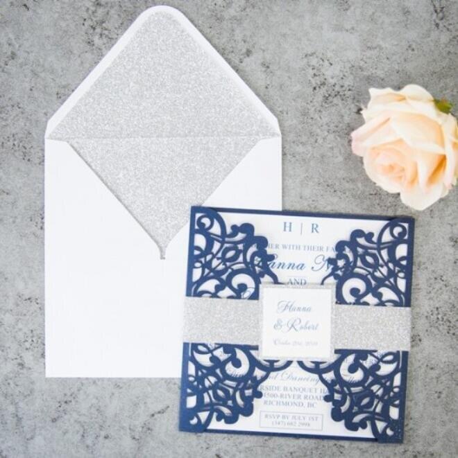 ليزر مخصص قطع الأزرق حفل زفاف بطاقات دعوة مع الفضة حزام بطن و علامة ، 100 مجموعات ، الشحن السريع-في بطاقات ودعوات من المنزل والحديقة على  مجموعة 1