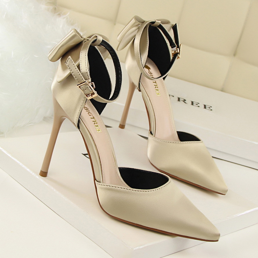 Spring Autumn sweet Shallow mouth women pumps Pointed Silk Hollow Rear Bow tie Word with 10 CM Fine high heels shoes sandals 2016 new pumps spring autumn period and the new fine work with shallow mouth single shoe heels sweet bowknot sexy pointed shoes