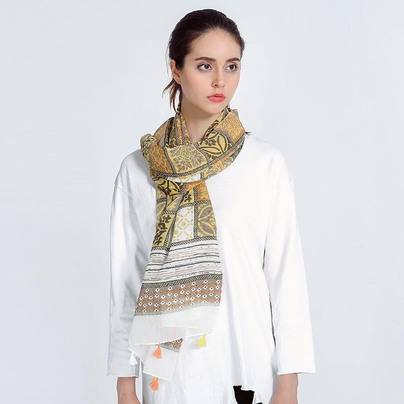Hot Sale Bohemia Print Striped Chiffon Blanket Scarf  New Style Silk Scarf Wiomen Trendy Warm Winter Scarves Pashmina