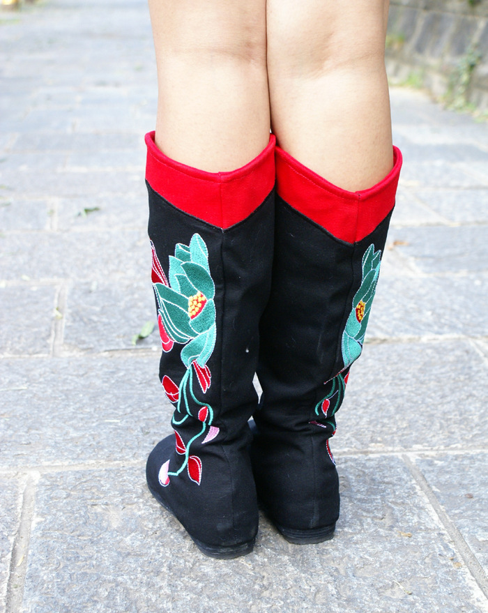 Autumn Winter Women Flats National Style Round Toe Embroidery Height Increase Elevator Fashion Knee High Boots 35-40 SXQ0812 vintage embroidery women flats chinese floral canvas embroidered shoes national old beijing cloth single dance soft flats