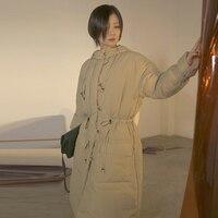 YNZZU оригинальный дизайн Для женщин пуховик 2018 зима Винтаж длинный белый гусиный пух пальто Для женщин теплые на шнуровке Свободные пиджаки