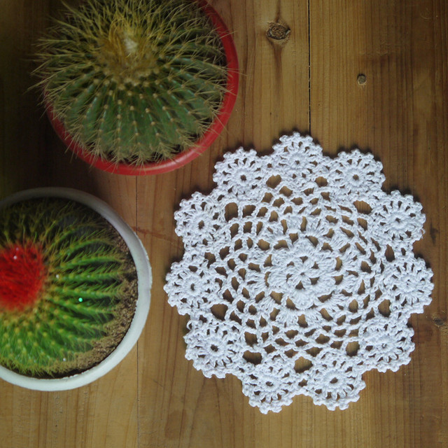 Lace Handmade Crocheted Doilies Pattern Doily Cup Mat Cotton Cup