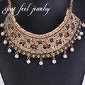 2017 nueva india maxi choker collar de cristal de encaje y perlas joyería pendiente color de la mezcla 2 unid diseño hueco borlas declaración joyería