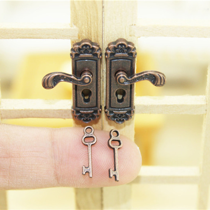 miniature doll lock  (5)