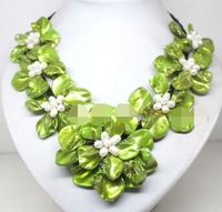 FREE SHIPPING>@@> zj 00065 white pearl green mother of pearl shell 7 flower handmade necklace 18 Jewelry