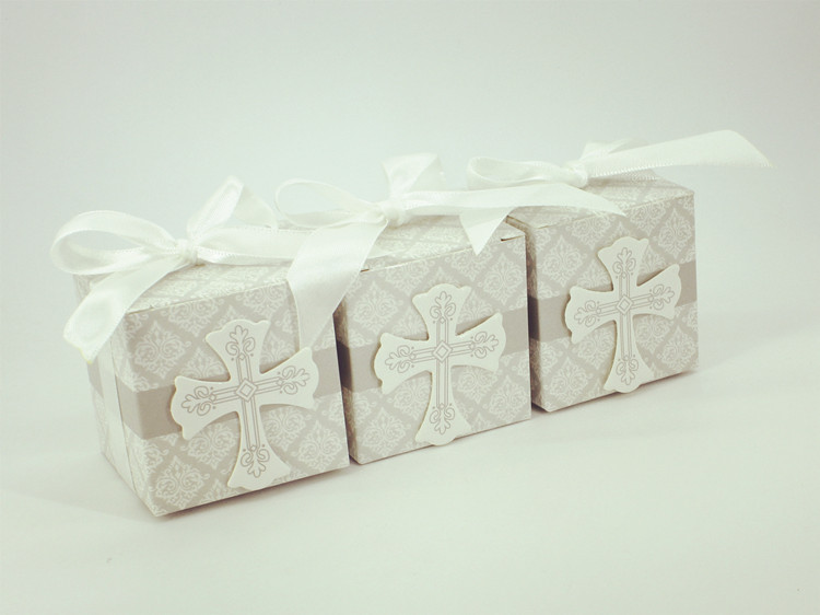 50 PCS Cross Candy Favor Box Christening Baby Shower Wedding Party Baptism Wrap Holders with Ribbons wedding favors and gift