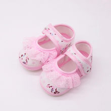 Newborn Baby Girls First Walkers Shoes Pink Soft Shoes Soled Lace Floral Print Footwear Crib Shoes bota infantil menina @15(China)