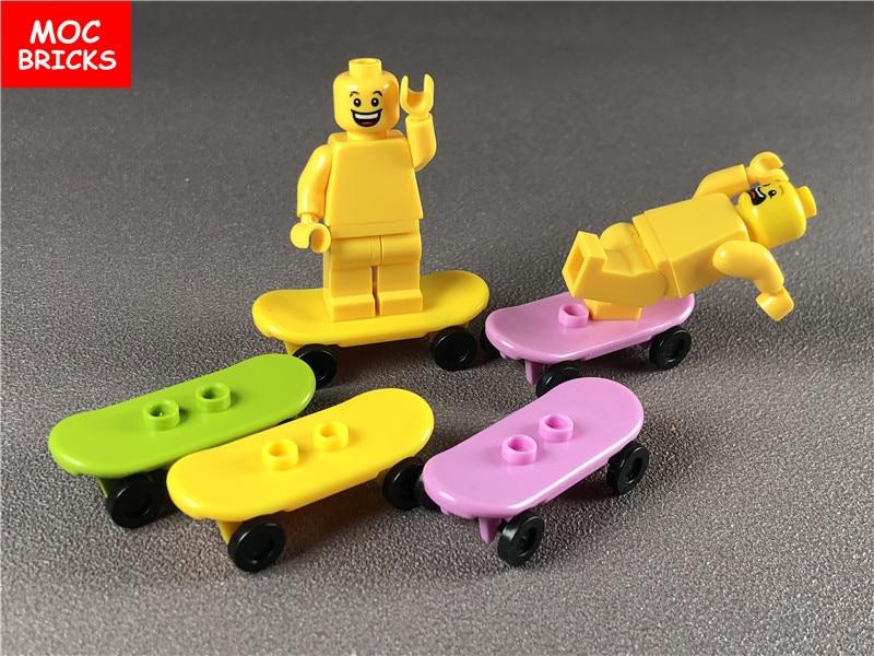 5 Pz/lotto Moc Mattoni Supporti & Ruota Di Skateboard Con Ruote Trolley Trolley Blocchi Di Costruzione Di Mattoni In Forma Con 42511 E 2496 Giocattoli Regali