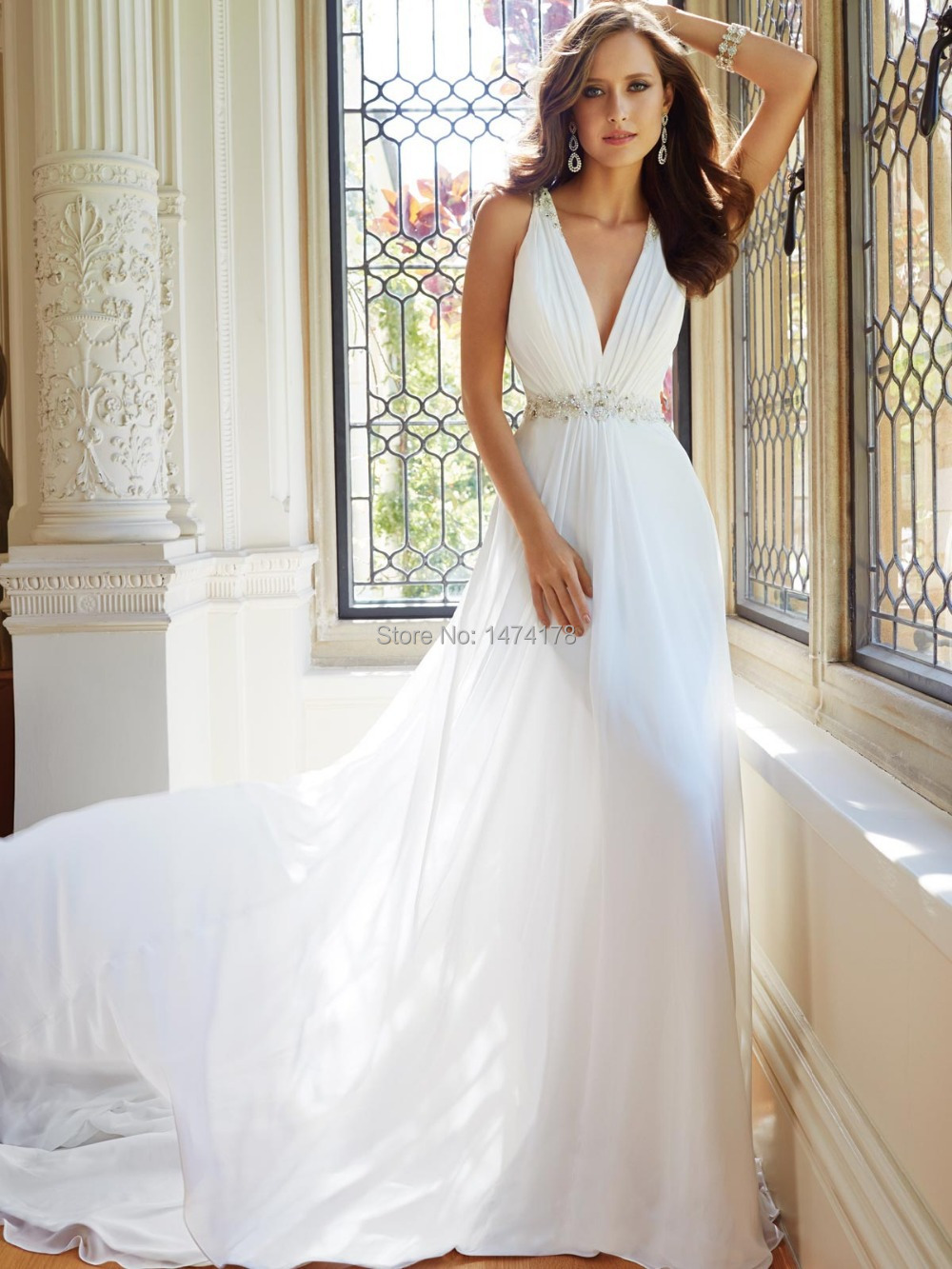 fantastic white cathedral length applique purfle pearls new arrival wedding veil plunge wedding dress B Gorgeous Mermaid Plunging