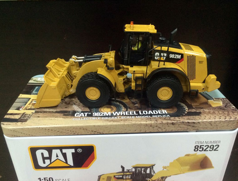 New Packing - Cat 982M Wheel Loader 1/50 Scale DieCast Model Construction vehicles 85292 By DMNew Packing - Cat 982M Wheel Loader 1/50 Scale DieCast Model Construction vehicles 85292 By DM