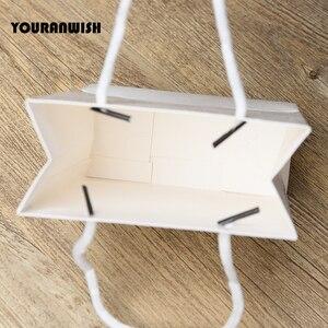 Image 4 - 20 יח\חבילה לבן שחור באיכות גבוהה פשוט נייר שקית מתנת נייר סוכריות קופסא עם ידית חתונת מסיבת יום הולדת מתנה חבילה ב