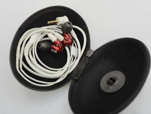 Le bateau en 1 Jour! SE535 Salut-fi Stéréo Casque Bruit Annulation 3.5 MM Dans l'oreille Écouteurs Séparé Câble Casque avec Boîte VS SE215 SE315