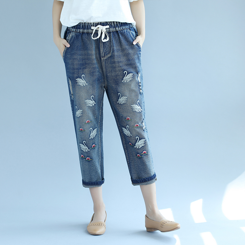 2017 Summer Women Swan Embroidered Capris Jeans Large Size Calf-Length National Style Casual Loose Denim Pants Trousers L967 karen kane new women s size large l navy red embroidered tie front blouse $119