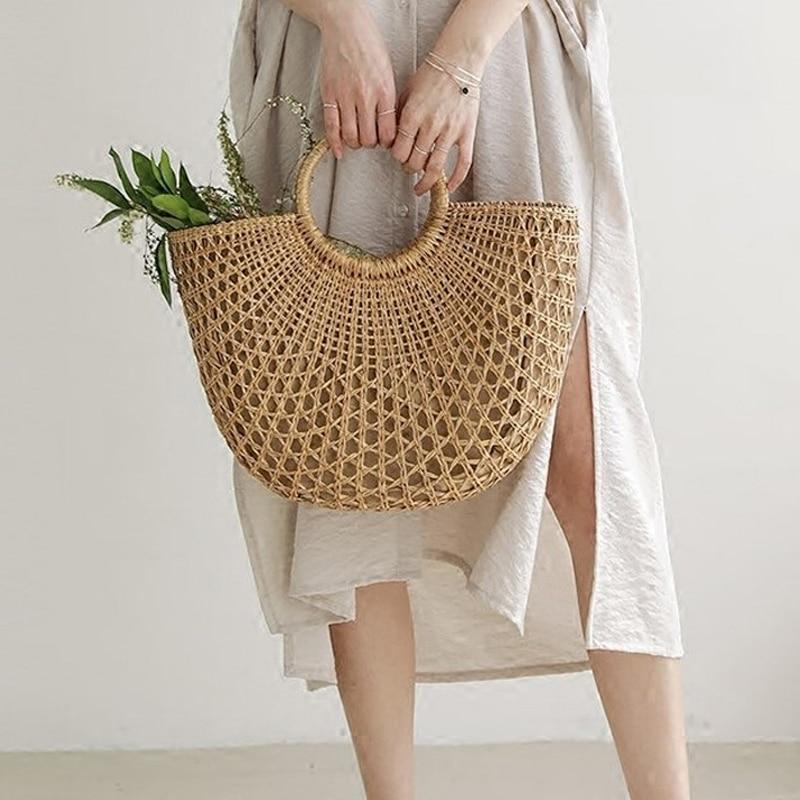 New Straw Bag 2019 Women Hand-Woven Hollow Handbag Moon Shape Rattan Bag Big Capacity Drawstring Handbag Casual Travel Beach Bag