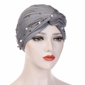 Image 3 - קסם מוסלמי נשים טורבן כובעי הודי כובע כיסוי ראש חם אוזן מוצק צבע נמתח רך בימס כובע בנדנה עבור גברת