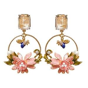 Image 5 - Antique peint à la main émail bijoux mignon bleu pierre abeille et rose fleur boucles doreilles carré cristal oreille goujons cercle boucles doreilles