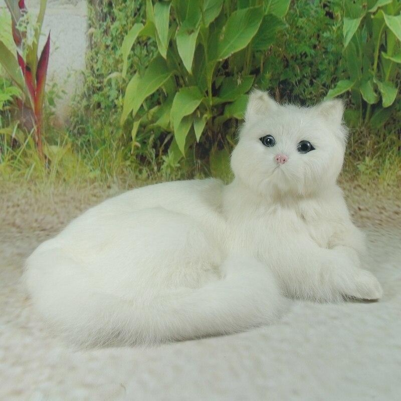 branco modelo de simulacao brinquedo gato deitado polietileno peles de gato bonito cerca de 16x30x21 cm