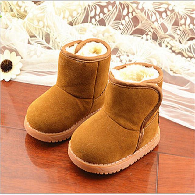 Precio de fábrica 2016 Zapatos de Bebé de Invierno Clásico de Invierno Chicas Lindas botas Niños Botas de Nieve Más Gruesa Suela de Músculo de la Vaca Sólido Size21-25
