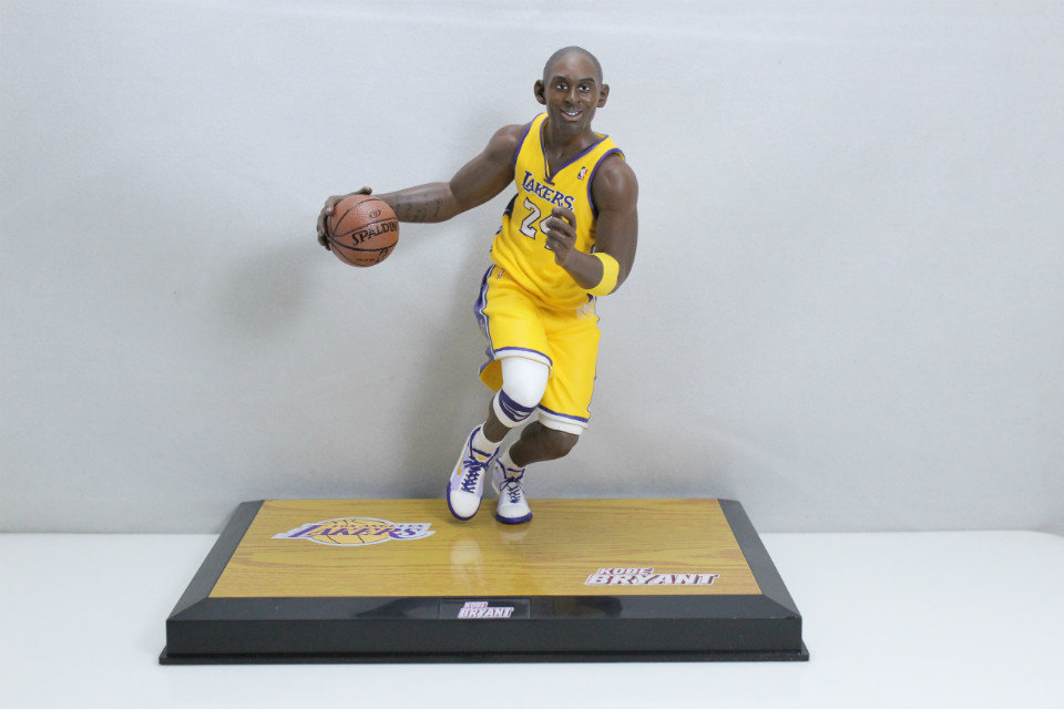 2016 New pop L.A. Lakers Kobe Basketball Super Star Player Bryant Action Figure KOBE PVC COLLECTION VERSION for KOBE FANS баскетбольную форму lakers
