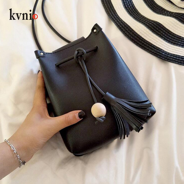 Mini Drawstring Flap Bag in Women's Crossbody Bag PU Leather Shoulder Sling Bags Ladies Green Wood beads Tassel Messenger Bags 3