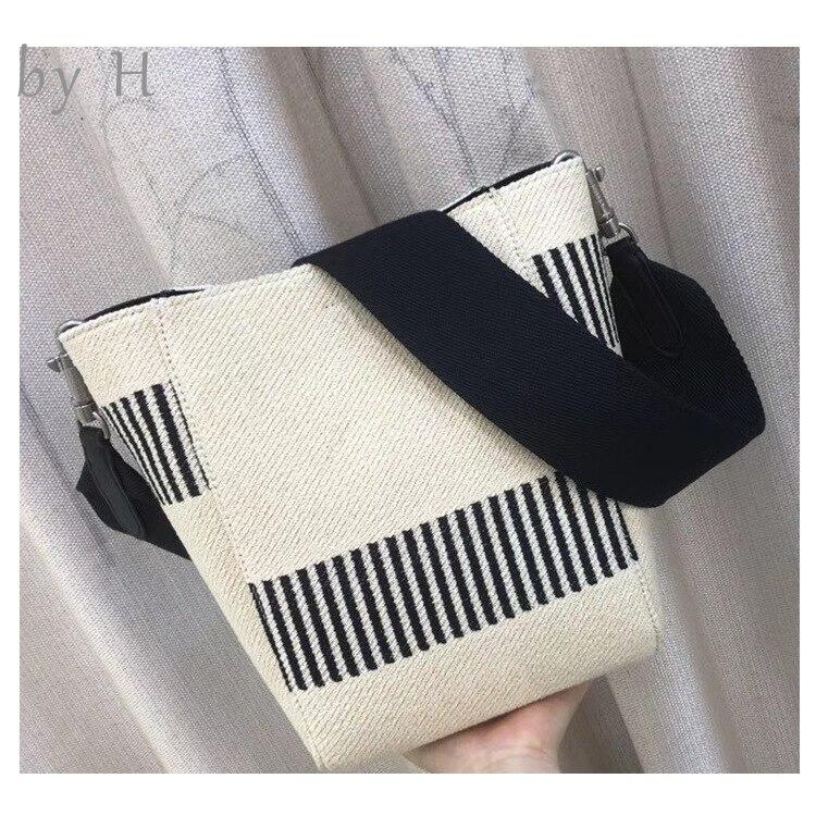 By H 2019 Новая женская большая сумка мешок сумка Широкий ремень для гитары фортепиано ключ белый черный холст сумка на плечо отдых vibes шикарная...