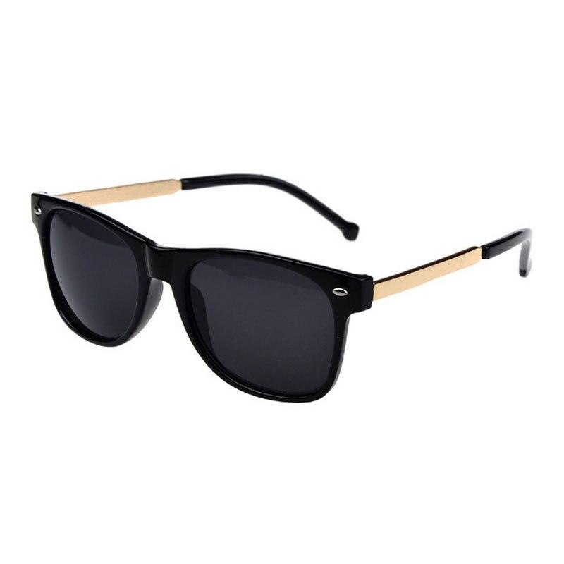 9d06be8061 Mujeres de la manera caliente del verano para hombre a estrenar desinger  UV400 protección Gafas de sol Steampunk Retro Vintage Shades 2017 Sol gafas  Z1