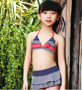 Girls bikini swimsuit! Junior girl swimsuit of clear pattern and