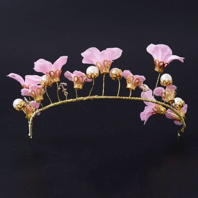 2016 New High Quality Bridal Jewelry Retro Pink Flowers Youth Pearl Golden Crown Hair Accessories Wedding Dress Accessories