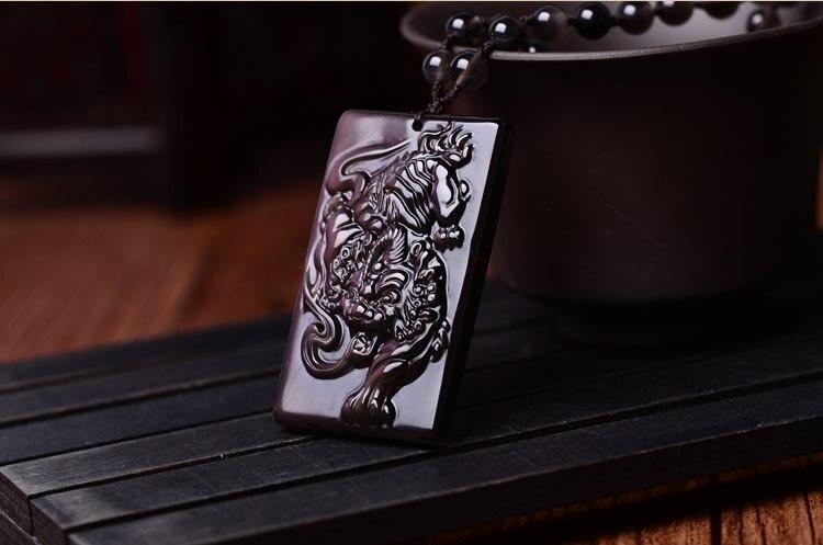 Delicate obsidian Pure manual sculpture tiger pendant tie in